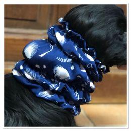 Snood - Cagoule protection oreilles tombantes - Motif plume bleu marine