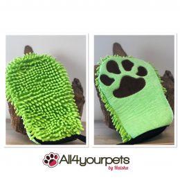Microfiber grooming glove